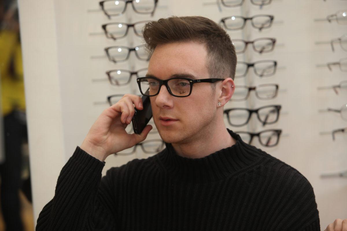 a2d4a9826 5 Reasons why women in Barnet like Men in Glasses